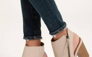 Какая обувь в моде осеньг. Дефиле в носках