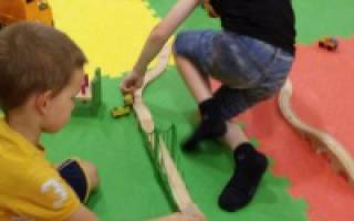 Игры на елке в детском саду. Активные новогодние игры для большой компании