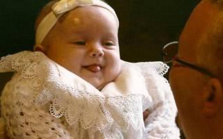 Можно окрестить ребенка без крестных. Можно ли крестить ребенка без крестных